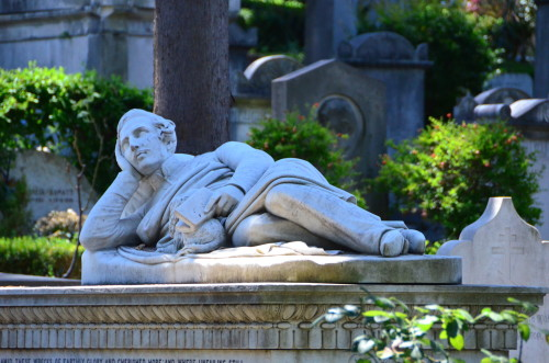 Rome Non Catholic Cemetery 500x331 7 Free Things to Do When You Travel