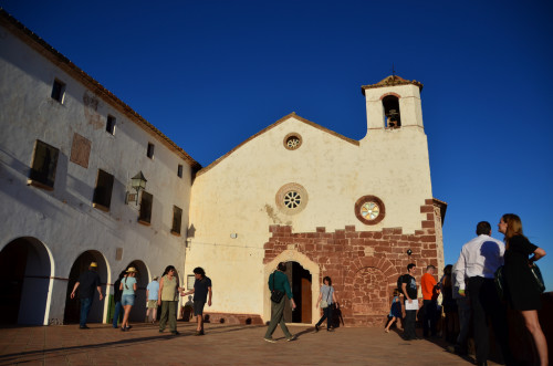 Church in Mont Roig del Camp Spain 500x331 Historical Sites in Alcudia