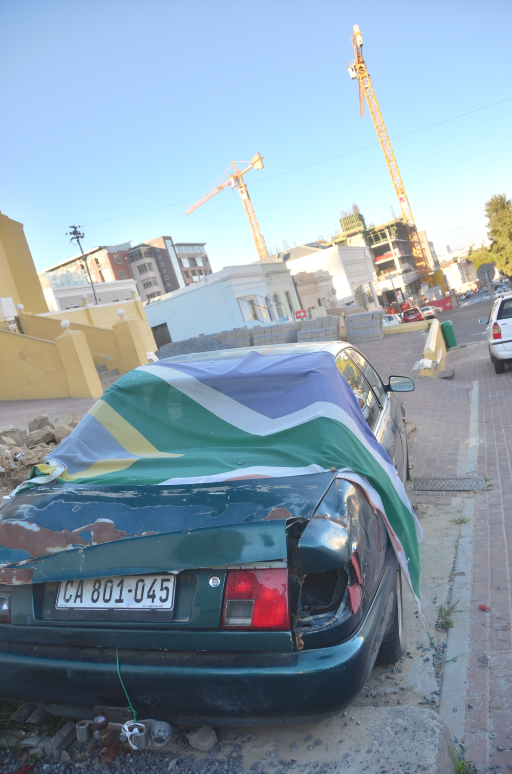 This picture seems to be a good metaphor for South Africa as a whole