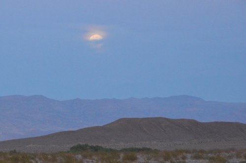 Death Valley is even more stunning after nightfall than it is during the heat of the day