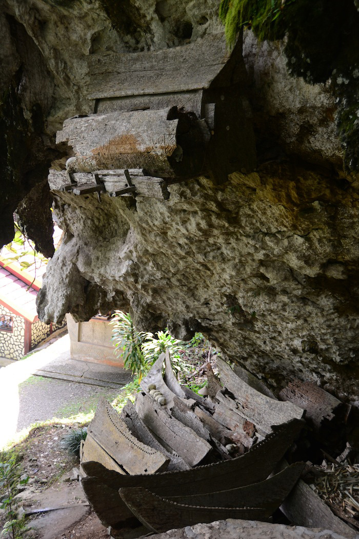Tana Toraja Indonesia  city photos : How to See Bizarre Burial Rituals in Tana Toraja, Indonesia