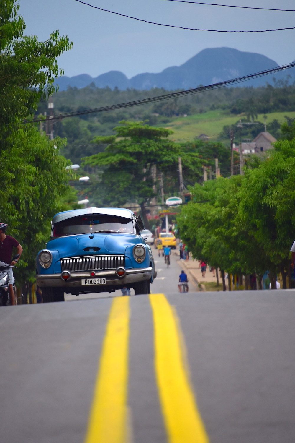 Cuba travel pictures Viñales classic car