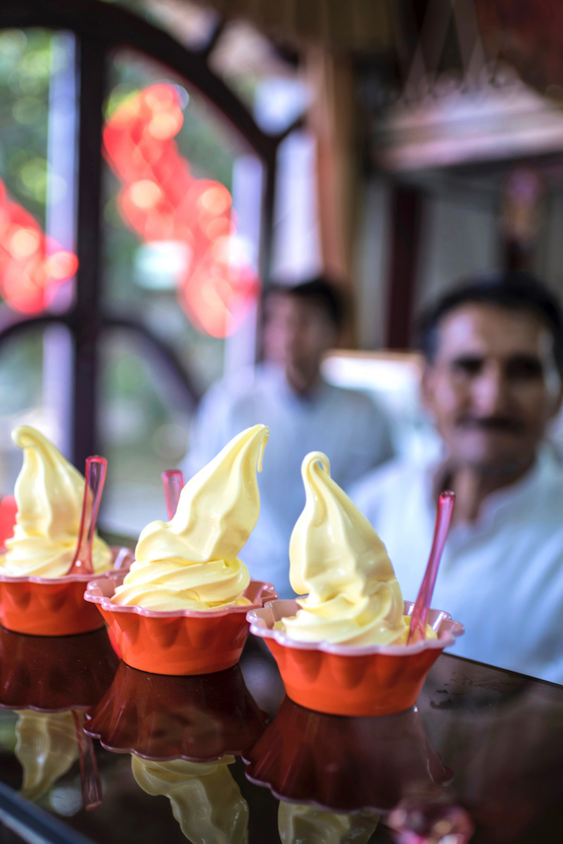 Iran travel pictures saffron ice cream