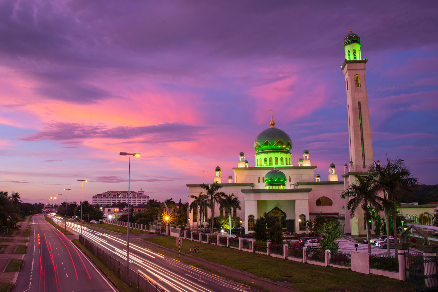 Sunset at Al-Ameerah Al-Hajjah Maryam Mosque in Brunei
