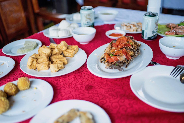 Halong Bay Cruise food